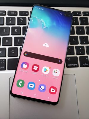 Samsung Galaxy S10 Plus 128GB UNLOCKED for Any carrier worldwide - Like New for Sale in Austin, TX