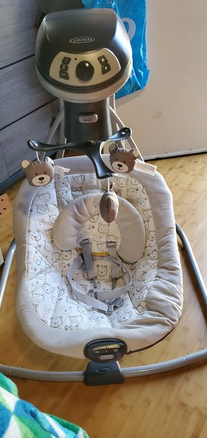Graco Simple Sway LX Baby Swing with Multi-Direction, Teddy for Sale in Lawndale, CA
