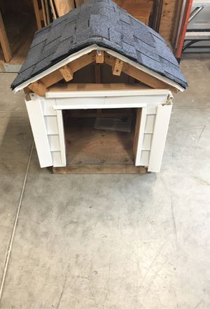 Dog house for Sale in Maple Heights, OH