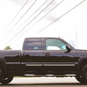 New BFG KO2 tires Chevy 003 SILVERADO for Sale in Pittsburgh, PA