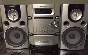 Black and gray Sony music stereo system for Sale in Queens, NY