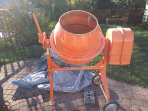 3 1/2 cubic foot Cement Mixer for Sale in MIDDLEBRG HTS, OH