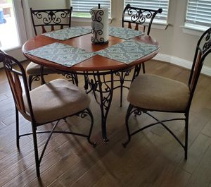 Breakfast table seating for 4 for Sale in Pflugerville, TX