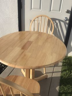Kitchen Table With 2 Chairs for Sale in Long Beach,  CA
