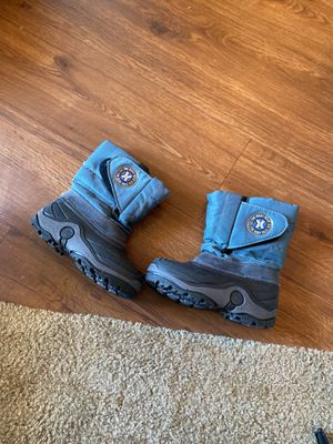 4-5 T kids Snow Boots for Sale in Tustin, CA