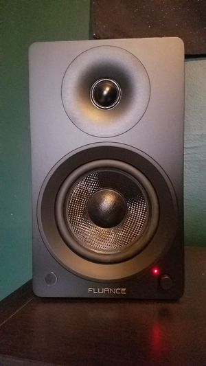 Fluance Ai40 Powered Bookshelf Speakers for Sale in South Gate, CA