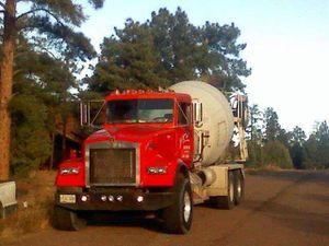 89 w900 kenworth mixer&78 kW mixer 89 has new cat 3306motor for Sale in Phoenix, AZ