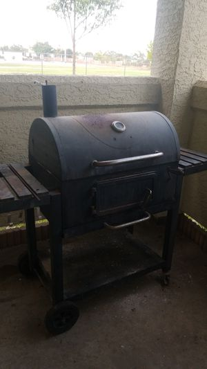 Charcoal grill for Sale in Oceanside, CA