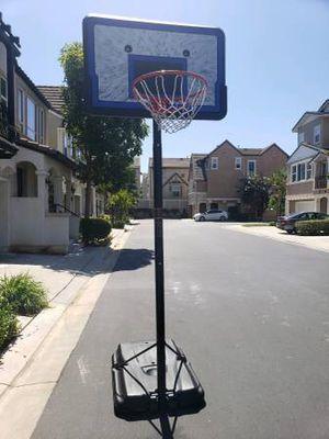 Basketball hoop for Sale in Burbank, CA