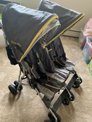 Jeep Double Stroller for Sale in Malden, MA