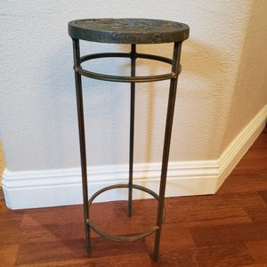 """Bunny Rabbit Design Heavy Wrought Iron Plant/Decorative Stand 20 1/2"""" H x 8"""" H for Sale in Henderson, NV"""