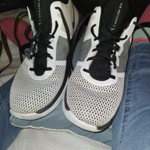 Nike Air PRECISION 2. NIKE AIR. RETAILS FOR 69.99 + TAX for Sale in Lubbock, TX