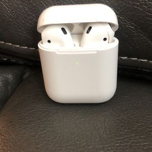 AirPods Second Series for Sale in Cleveland, OH