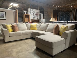 Off White Sectional FREE SHIPPING for Sale in Archdale, NC