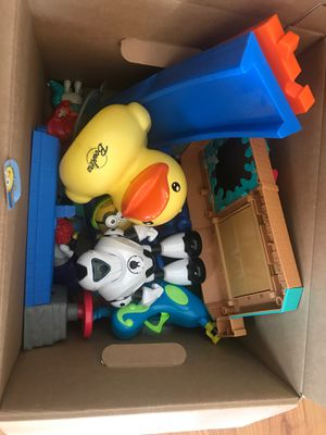 Free Toys for Sale in Bloomingdale, IL
