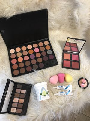Morphe and elf bundle for Sale in Phoenix, AZ
