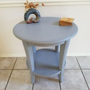 Grey Accent Table for Sale in San Marcos, CA