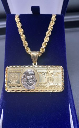 "10k real gold thick gold chain and big pendant 22"" 5mm for Sale in Aurora, CO"