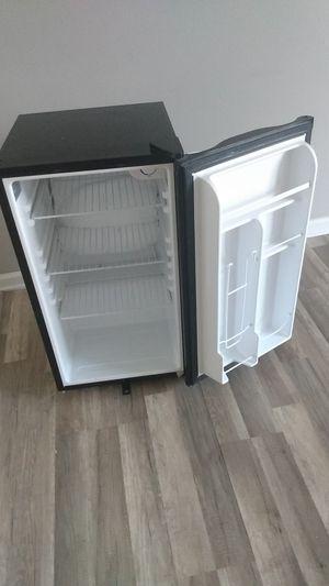 Mini fridge for Sale in Gonzales, LA