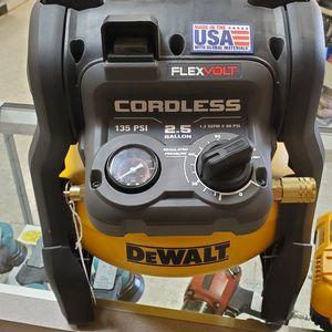 DEWALT 2.5 gallon 60v Flex Volt Compressor for Sale in Round Rock, TX