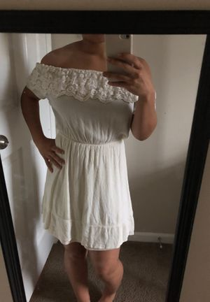 White floral dress for Sale in Columbus, OH