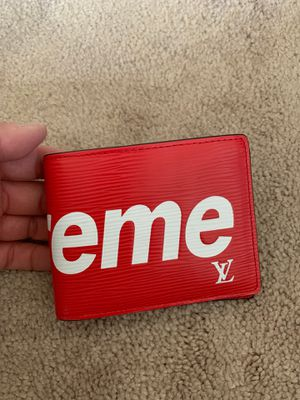 LV Supreme wallet for Sale in San Gabriel, CA