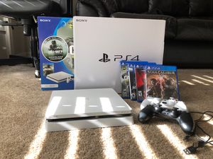 PS4 glacier white 500gb (includes 2 wireless controllers &games) for Sale in Manassas Park, VA