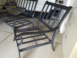 Aluminum patio set with assorted pillows. for Sale in Lodi, CA