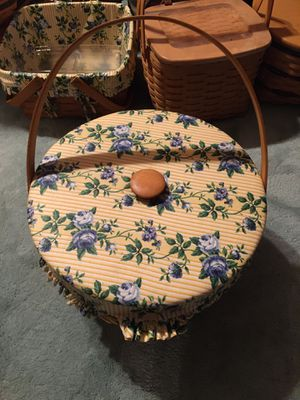 Longaberger sewing basket, has liner, insert, lid for Sale in Galloway, OH