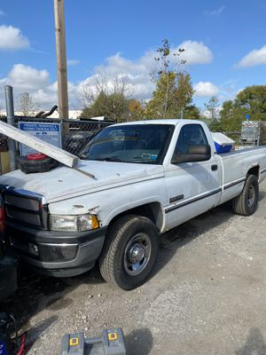96 Dodge Ram 2500 5.9 Cummins (engine o complete) for Sale in Silver Spring, MD