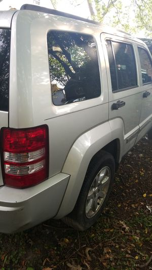 2008 jeep liberty (SELLING PARTS ONLY) for Sale in Southfield, MI