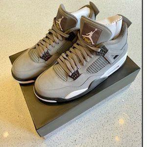 Nike Air Jordan 4 Retro NEW for Sale in Chicago, IL