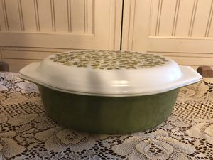 Vintage Pyrex 2 1/2 qt Green Verde Large casserole for Sale in Kings Mountain, NC