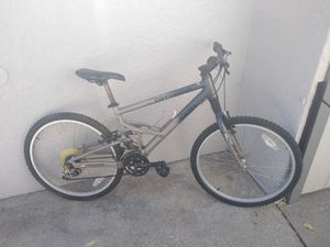 man's Cannondale Jekyll aluminum full suspension Mt bike for Sale in Long Beach, CA