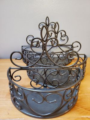 Brand New Princess House Meridian Endless Options Tiered Wall Baskets Shelves Set Of 3 $90.00 for Sale in Gardena, CA