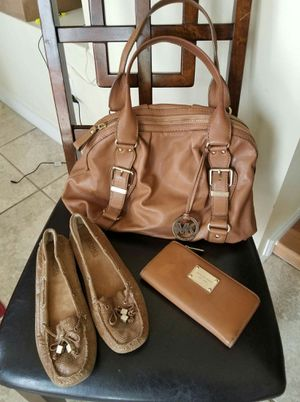 Michael Kors bundle size 7 (37.5) flats for Sale in Lincoln Acres, CA