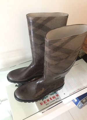 Burberry rain boots size 38 for Sale in Miami, FL