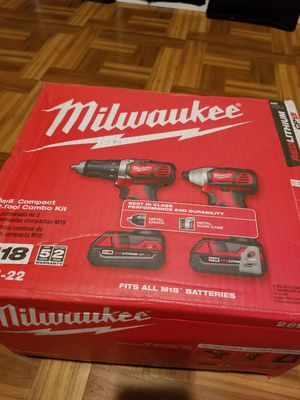 Milwaukee Combo kit Drill and Impact Driver M18 for Sale in Norwalk, CA