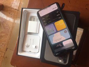 iPhone 11 pro max for Sale in Fresno, CA