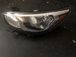 2015-2017 Hyundai Accent Driver Side Headlight for Sale in Jurupa Valley, CA