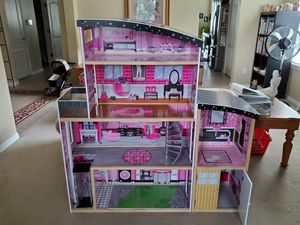 Super Cute Large Dollhouse for Sale! for Sale in Apopka, FL
