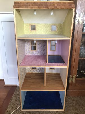 Miniature House with accessories (Working Lights) for Sale in Lake Tapps, WA