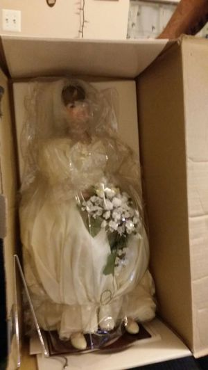 Princess diana bride doll for Sale in Manassas Park, VA