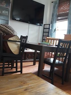 Kitchen Table With Chairs for Sale in Pico Rivera,  CA
