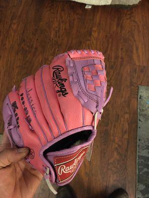 10 inch Rawlings baseball glove for Sale in Newark, CA