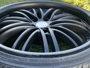 """19"""" leasing from Japan 5/114.3 lug pattern staggered set of rims and tires for Sale in Gardena, CA"""
