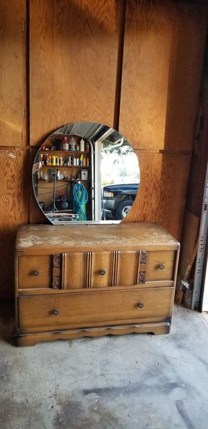 Antique dresser with Mirror. for Sale in Vancouver, WA