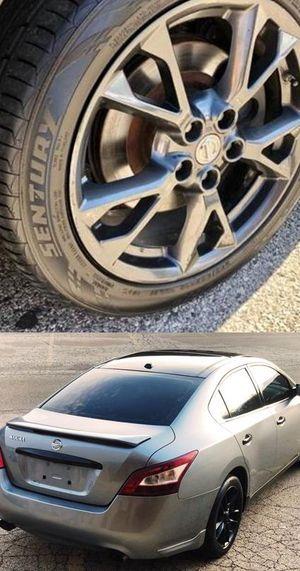Price$1200 Nissan Maxima for Sale in Rockford, IL
