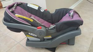 Graco Carseat with Base for Sale in Tampa, FL