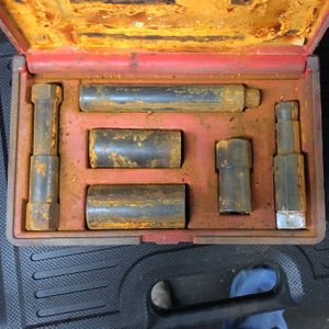 Used Blue Point Deluxe Hubcap and Wheel Lock Removal Kit YA1005B for Sale in Aberdeen, WA